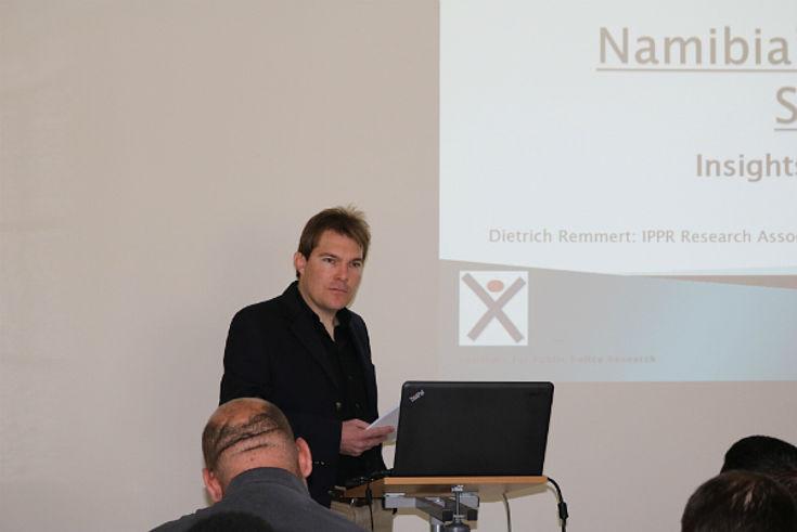 Dietrich Remmert presenting on water scarcity